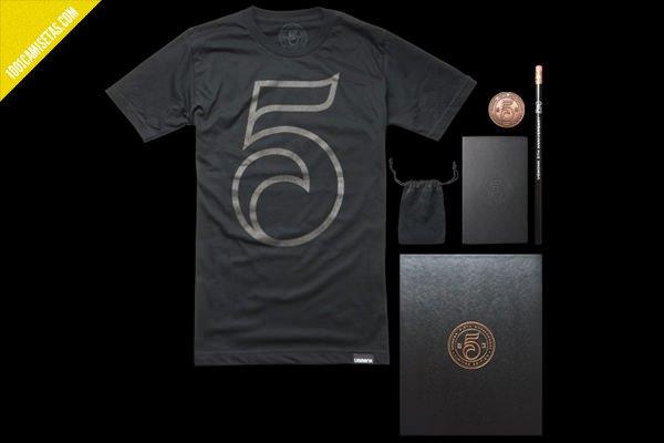 Camiseta aniversario Ugmonk