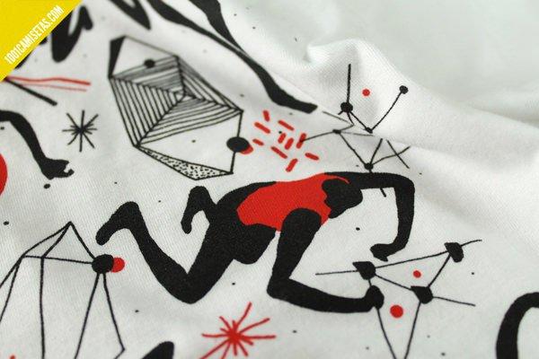 Camiseta pisapapeles