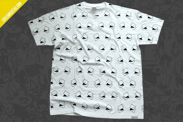 Camiseta geometrica all over