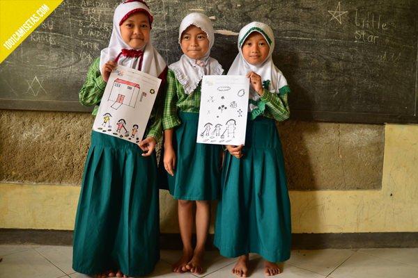 Camisetas solidarias indonesia