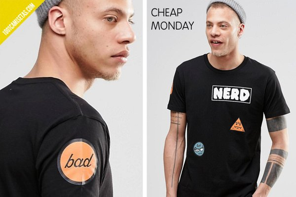 Camisetas parches cheap monday