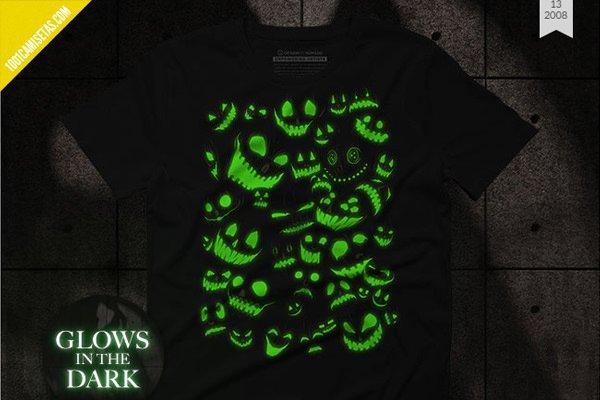 Camisetas brillan oscuridad