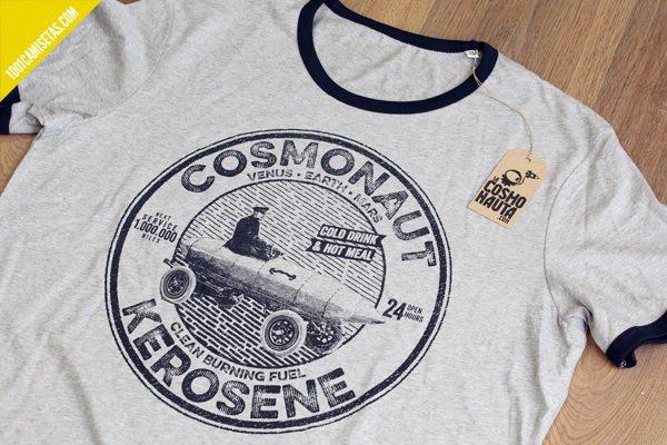 Camiseta serigrafia tintas al agua la cosmonauta